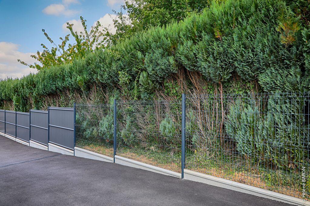 Clôture panneau rigide et occultation. Jardins des 4 Saisons. Guer, Ploërmel, Redon, Plélan-Le-Grand, Maure de Bretagne