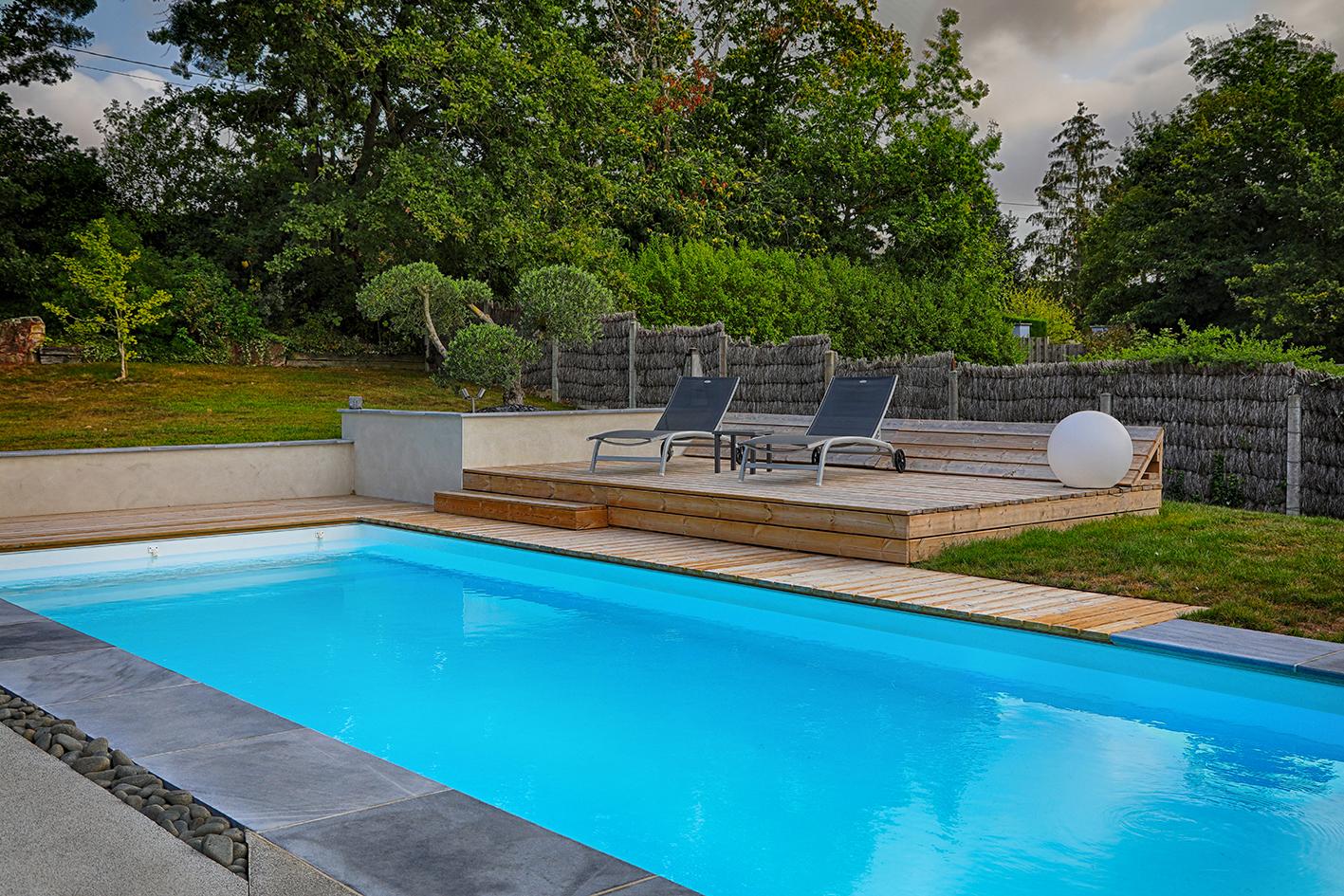 Aménagement abords de piscine, solarium, salon d\'été, plage ...