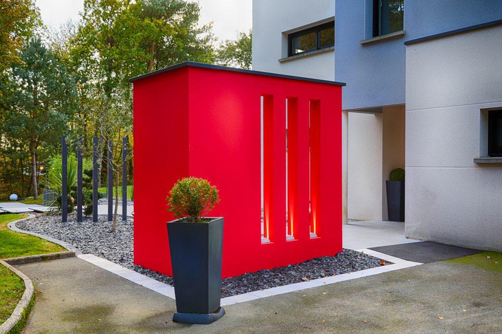 Création unique mur rouge graphique. Jardins des 4 Saisons. Guer, Ploërmel, Redon, Plélan-Le-Grand, Maure de Bretagne