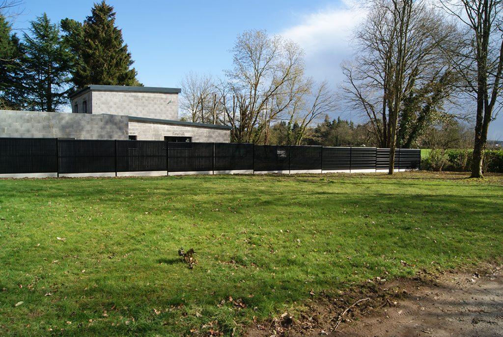 clôture panneau rigide noire Jardins des 4 Saisons. Guer, Ploërmel, Redon, Plélan-Le-Grand, Maure de Bretagne